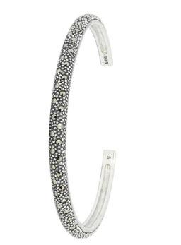 How to Wear Watch with Bracelet 002