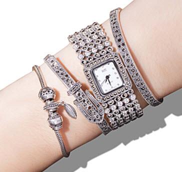 How to Wear Watch with Bracelet 008